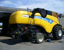 New Holland PIECES OCCASION POUR MOISSONNEUSE-BATTEUSE NEW HOLLAND CX 840
