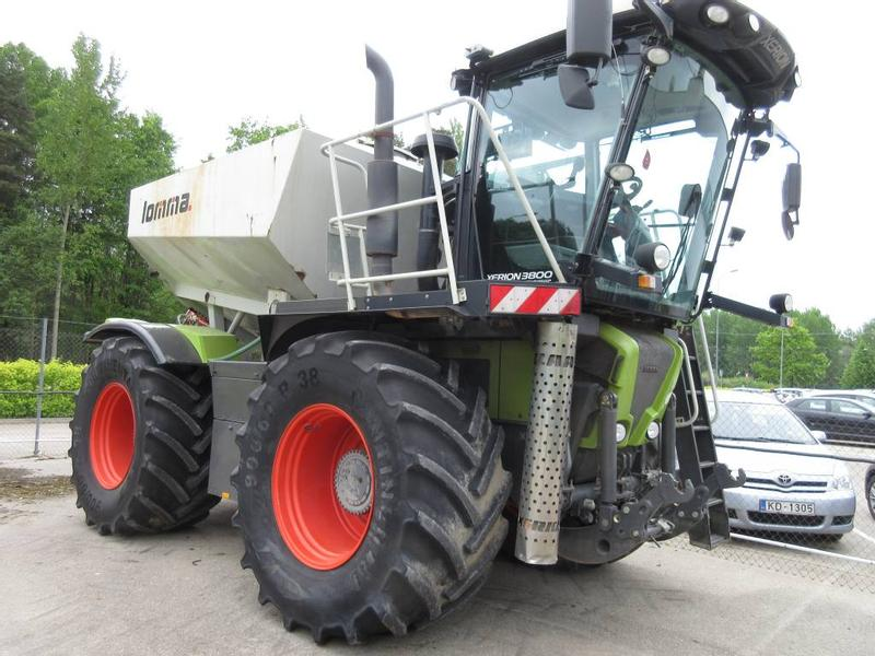 Claas XERION 3800 Saddle Truck