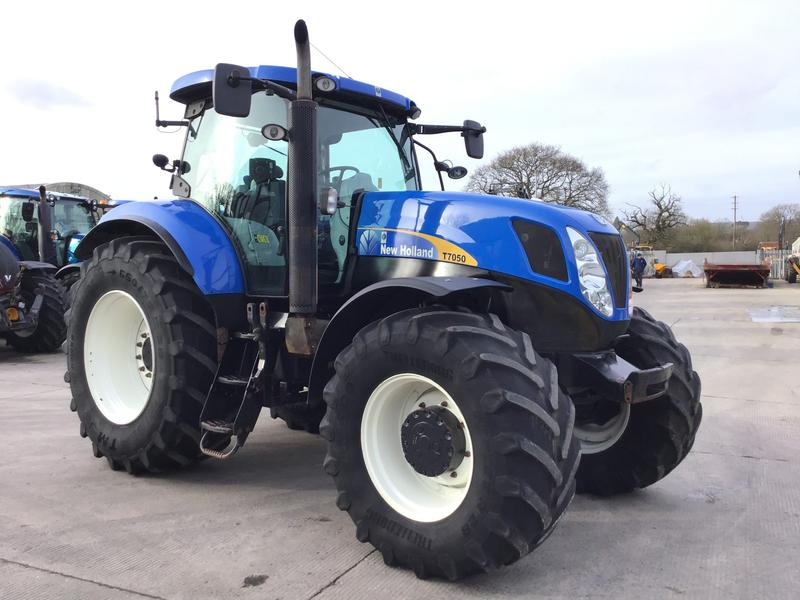 New Holland T7050 Tractor (ST4300)