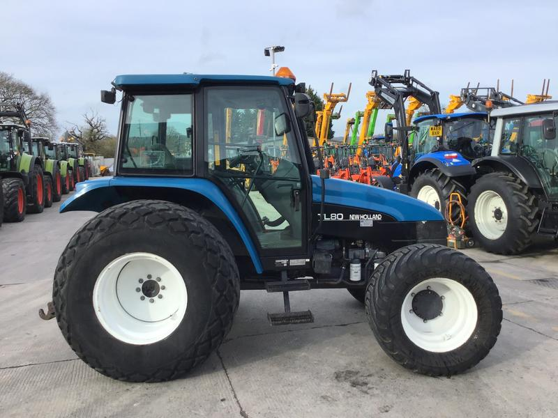 New Holland TI80 Tractor (ST4282)